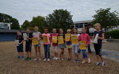 Überreichung des Sozialpreises und der Ehrenurkunden an der Landern-Grundschule